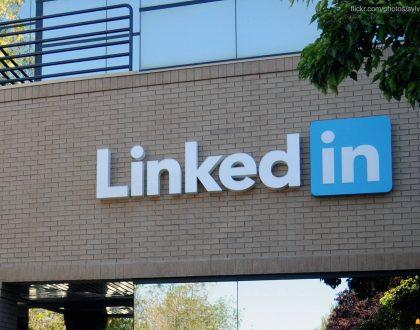 SEO - LinkedIn taps Bing search data for interest targeting