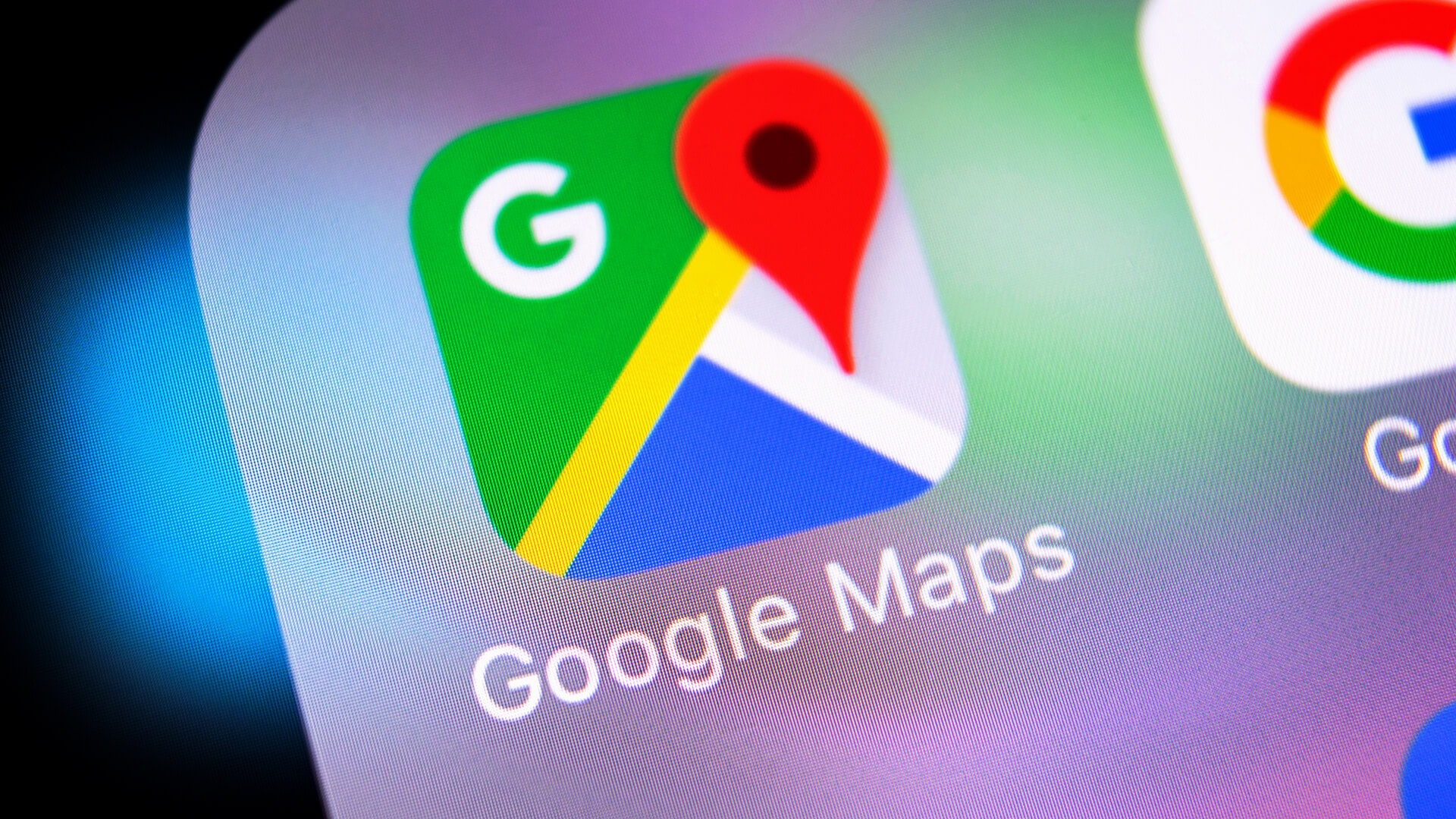 PPC - Google adds more discovery to Google Maps with 'community feed'